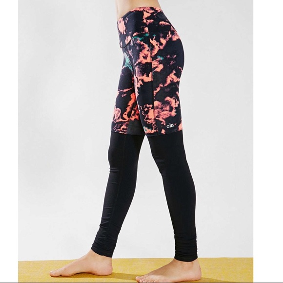 448dc6543a5b1 ALO Yoga Pants | Alo Goddess Leggings Volcano Lightening Black ...